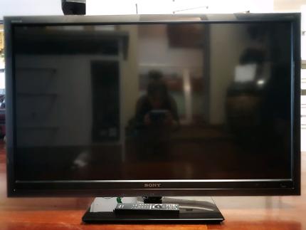 "46"" inch Sony Bravia Full HD LCD TV Plus Chromecast & Fire stick"