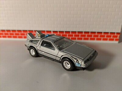 Hot Wheels Back To The Future DeLorean 1/64 real riders
