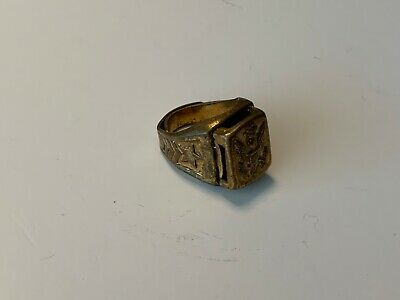 1940s Jewelry Styles and History 1940's Lone Ranger National Defenders Look Around ring premium $16.00 AT vintagedancer.com