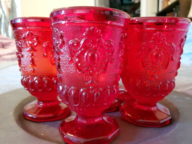 Beautiful Vintage  Red Glass Goblet❤