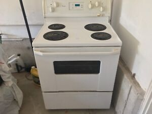 WHIRLPOOL WHITE COIL STOVE/OVEN