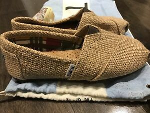 TOMS shoes NEW woman size 5 souliers femme neuf!
