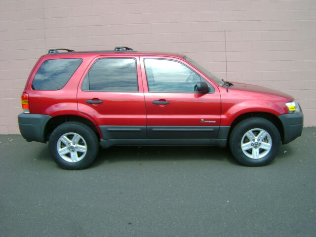 Image 1 of Ford: Escape 4X4 4WD…