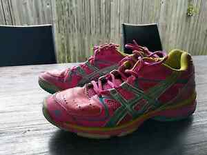 Size 9 pink asic gel Netball shoes Regents Park Logan Area Preview