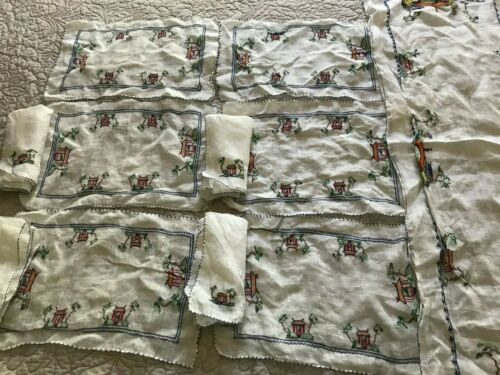 VINTAGE Linen Hand Embroidered Table Runner,  6 Placemats, and 4 Napkins