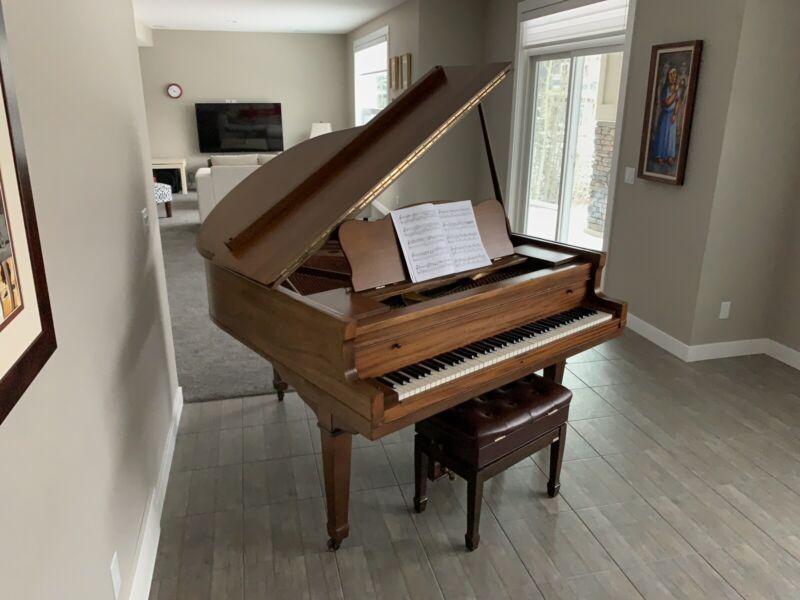 Baby Grand Piano | Pianos & Keyboards | Calgary | Kijiji