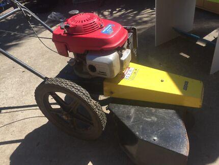 Honda dcs60 lawnmower/brush cutter in one