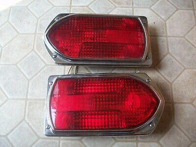 Vintage Emergency Firetruck R8-53 Red Turn Signal Lights