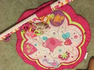 BABY PLAY MAT WITH 4 toys