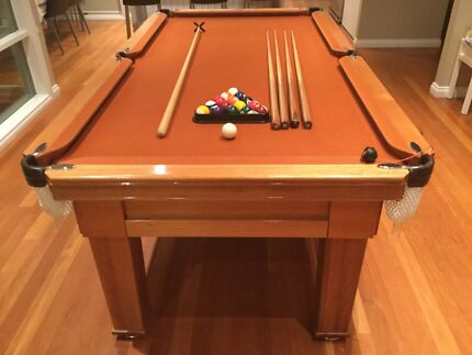 Pool Table 7' by 3'6 Slate. Great Condition
