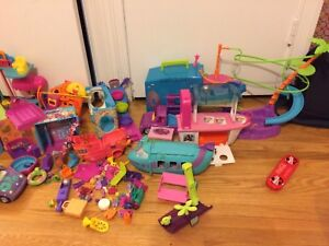 Polly Pockets lot of cars, limo, radio, wall party, pool, boat,