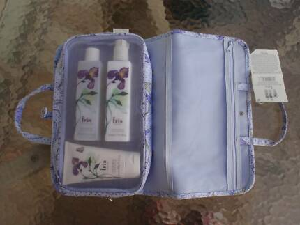 "EVELYN & CRABTREE SET""IRIS""CREAM,LOTION,SHOWER JEL TRAVEL PACKnew Loganholme Logan Area Preview"