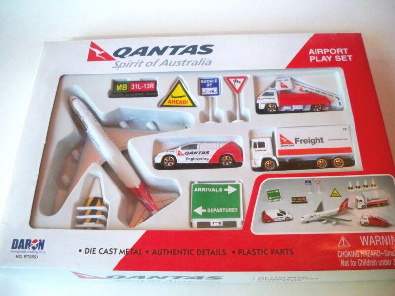 Qantas Spirit of Australia Jumbo 747 12 piece play set Hobbyco