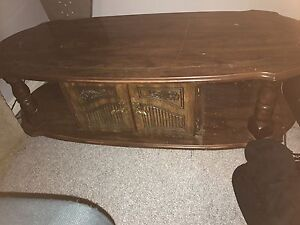 Free coffee table great for DIY projrwct