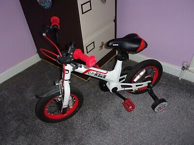 kids bike complete with stabilisers