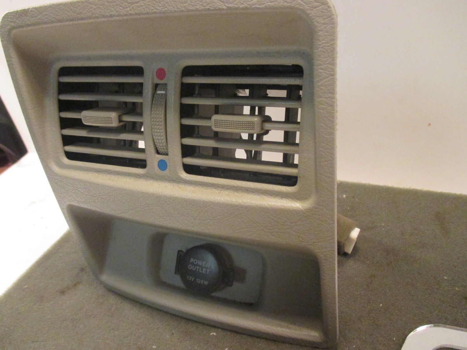 Used Kia Amanti Interior Parts For Sale 2005 Fuse Box 35l Rear Power Outlet Vent Panel