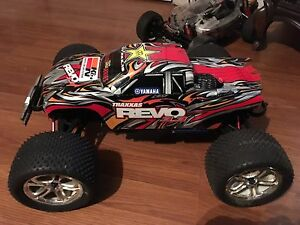 3.3 revo 4x4 nitro works great complete ready to run 275