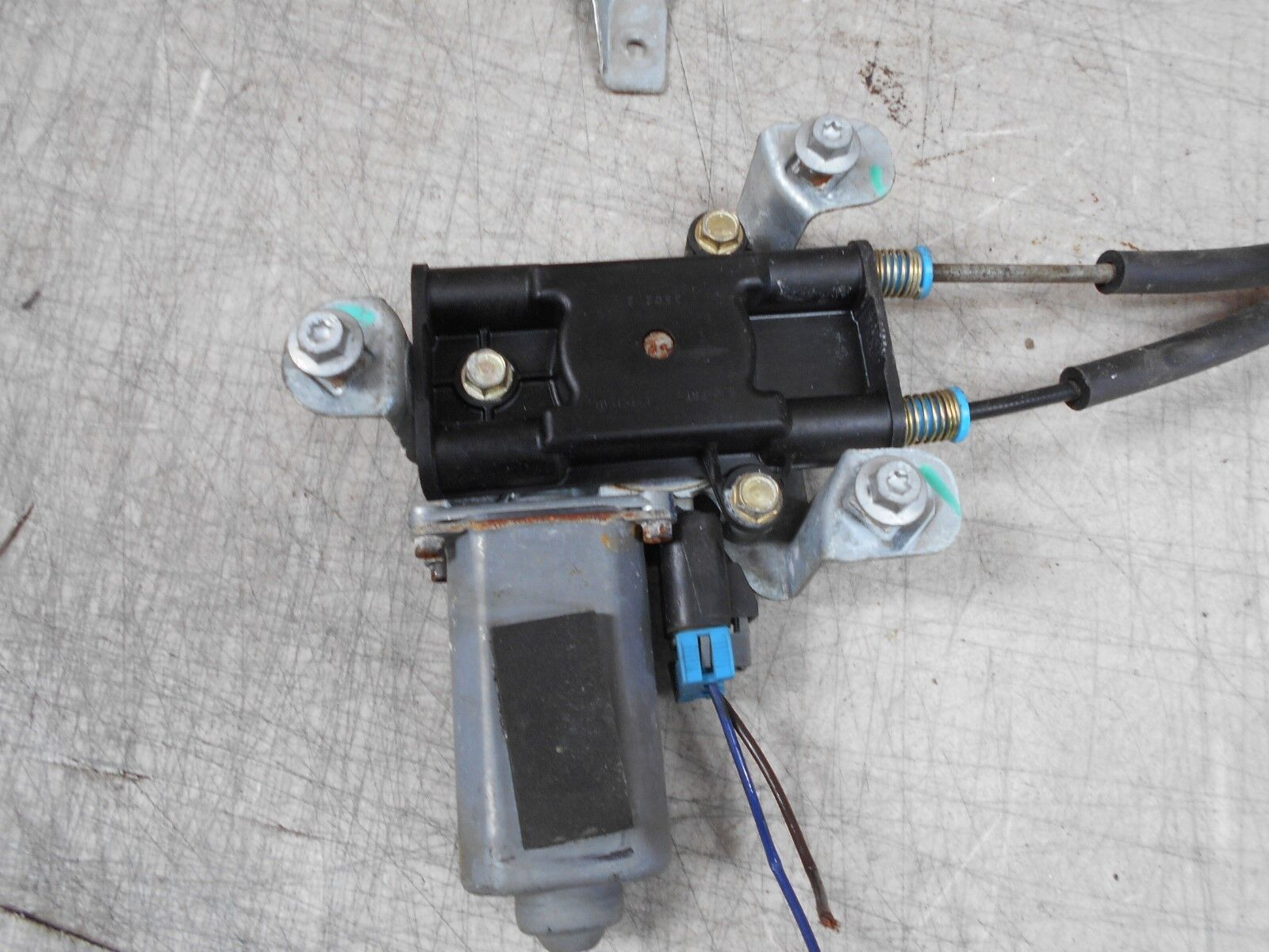 2003 Buick Regal Power Window Motor And Regulator Assembly Front Left