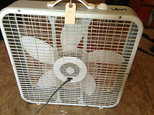 Lakewood 101 3 speed 20 inch white box fan detachable cord for 16 inch window box fan