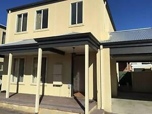 Nollamara - Quiet townhouse middle unit Nollamara Stirling Area Preview