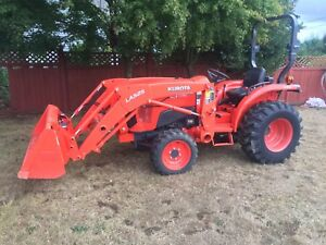 Kubota L3901 Tractor 4x4 with Loader