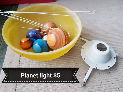 Planet light fitting