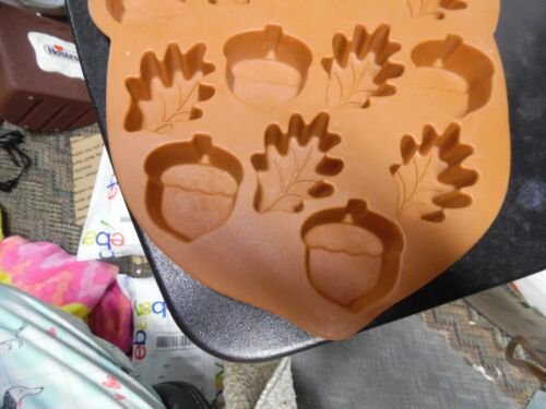 Brown fall leaves & acorn silicone mold
