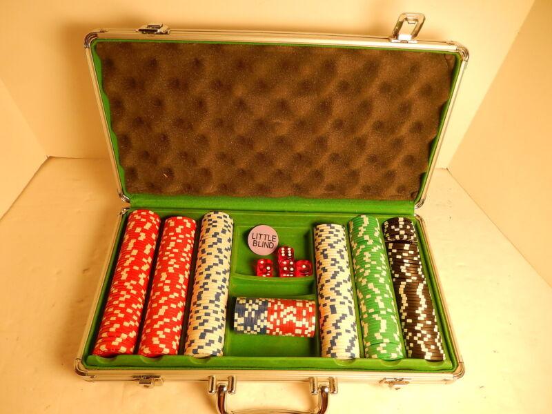 Las Vegas Casino Quality Clay Poker Set & Aluminum Case 313 Chips 4 Dice