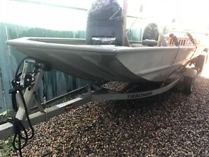 Tracker Grizzly 1648 welded Jon boat