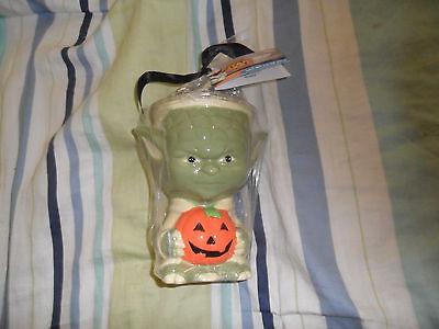 ( BRAND NEW WITH TAGS Star Wars Yoda Ceramic Mug With Candy HTF RARE)