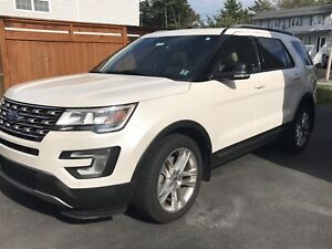 2017 Ford Explorer XLT - Low Mileage - Luxury