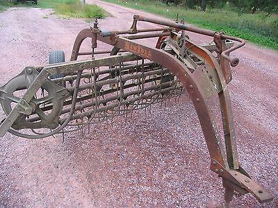 New Idea Pull Type Hay Rake Ground Drive