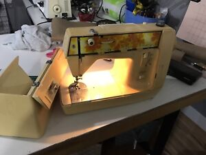 Singer Vintage Portable Genie Sewing Machine