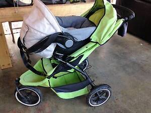 Phil & Ted's e3 double pram & Safe n Sound Unity baby capsule Cygnet Huon Valley Preview