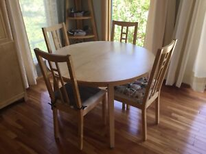 IKEA dinning table extension 6 chairs good condition