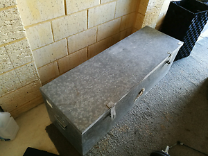 Metal Tool box/ lockable box Baldivis Rockingham Area Preview