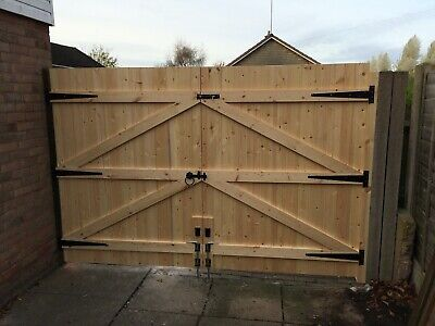 MADE TO MEASURE DRIVEWAY GATES 6FT HIGH STRAIGHT TOP X 7FT 5