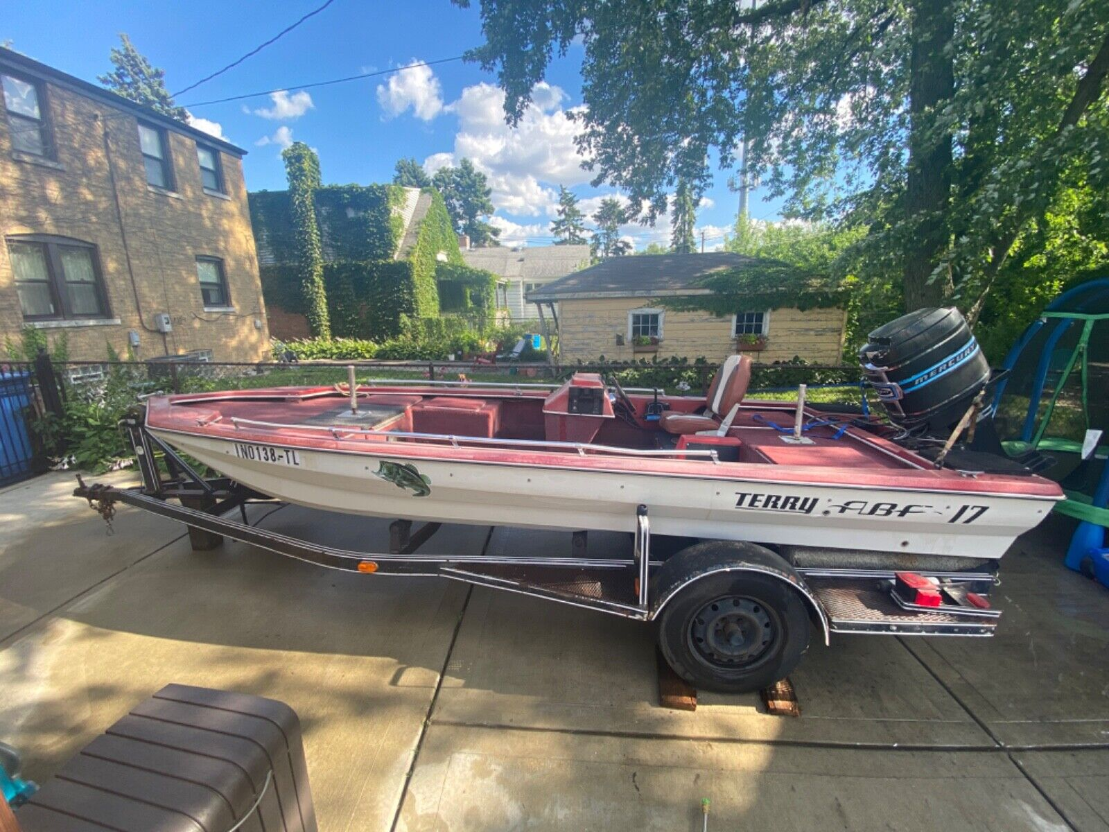 17 foot Bass Fishing Boat Terry With Trailer