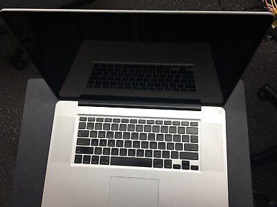 - Apple MacBook Pro 17