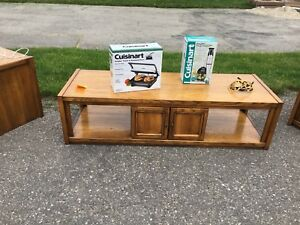 Solid oak coffee table and 2 side tables matching set
