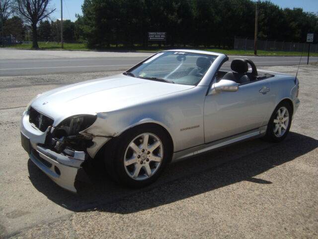 Mercedes slk230 roadster salvage rebuildable repairable for Salvage mercedes benz for sale ebay