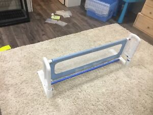 Safety bed railing for kids bed