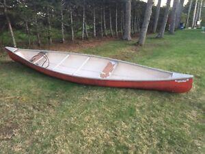 16 Foot Fibreglass Canoe