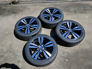 Brand new Holden VF SS/ SV6 wheels and tyres Hampton Park Casey Area Preview