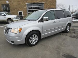 2010 Chrysler Town & Country Touring CUIR