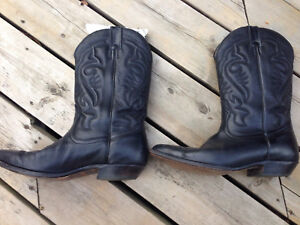 "Boulet cowboy boots like ""new"""