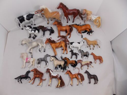 LARGE LOT OF VINTAGE HORSE & COW BARNYARD TOY FIGURES