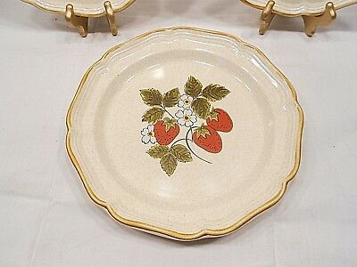 "MIKASA STRAWBERRY FESTIVAL 12"" CHOP PLATE, PATTERN NUMBER EB801"