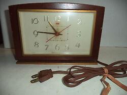 Vintage G.E. Electric Wood Case Mantle Clock 8 x 5.5 Still Runs