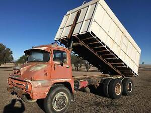 1960 Thames Trader 6x4 Diesel Tipping Tray/Grain bin/tipper Inverell Inverell Area Preview
